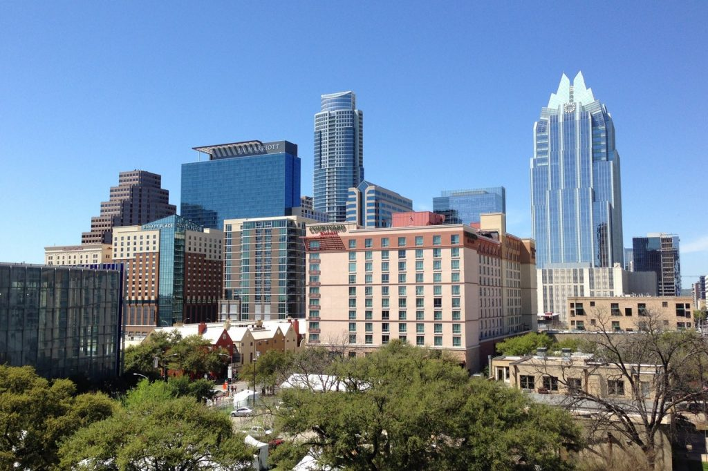 Why Austin, Texas Provides Some Of The Best Neighborhoods For Fans of Solar Roofs